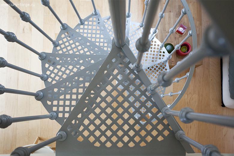 "Чугунная лестница, модель ""Амстердам"", диаметр 125 см"