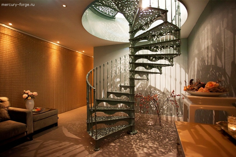 "Чугунная лестница, модель ""Гамбург"", диаметр от 165 до 210 см"