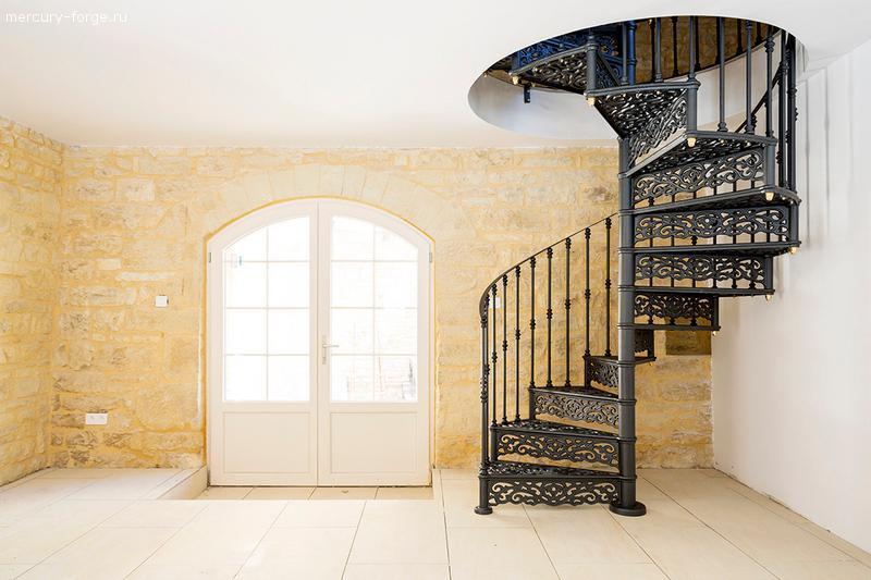 """Чугунная лестница, модель """"Лондон-С"""", диаметр 115 см"""