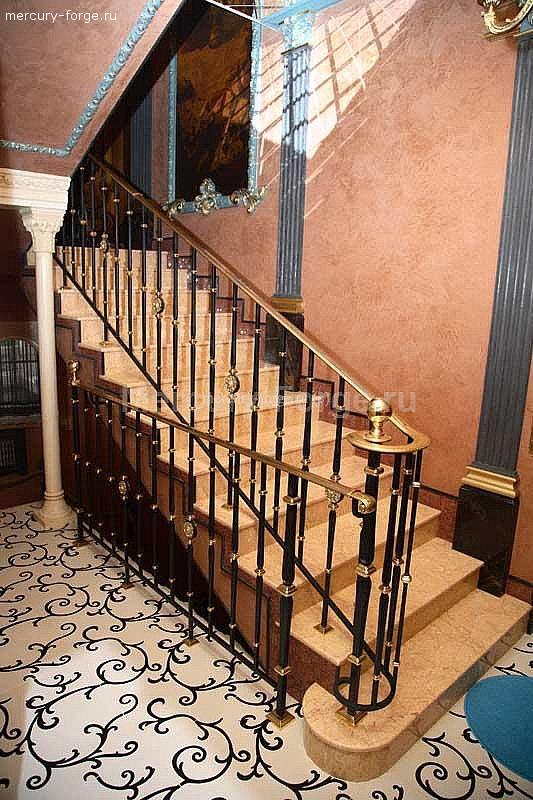 Мраморная лестница.